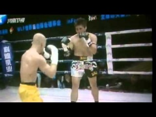 Shao Lin Monk VS Muay Thai Yi Long Iron Shirt & Golden Bell 武僧一龙击败泰国泰拳王桑猜