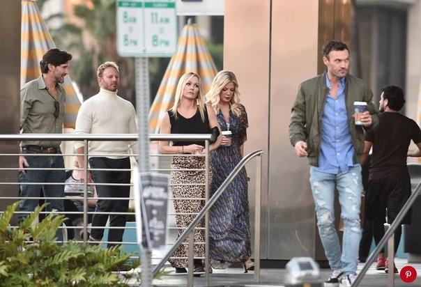 Прояснилось: новый «Беверли-Хиллз 90210» не будет продолжением оригинала Слухи о продолжении «Беверли Хиллз, 90210» сильно преувеличены оказывается, новый сериал, который объединит почти весь