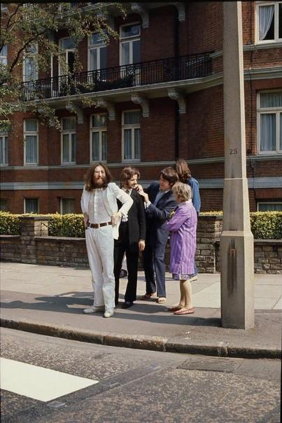 Эбби роуд, Лондон. Прелюдия к известному фото. Англия, 1969 г.