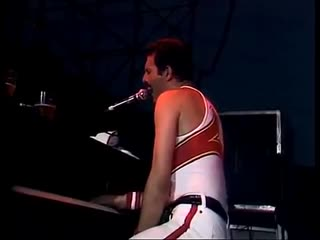 Freddie Mercury performing Somebody to Love intro live in Milton Keynes, 1982| History Porn