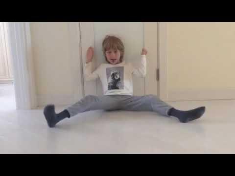 Посмотрите видео упражнение ученика 8 лет на курсе сидя