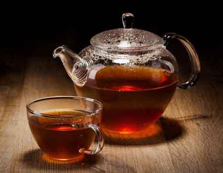 По сравнению с черным чаем, зеленые и белые чаи имеют низкий уровень танинов.