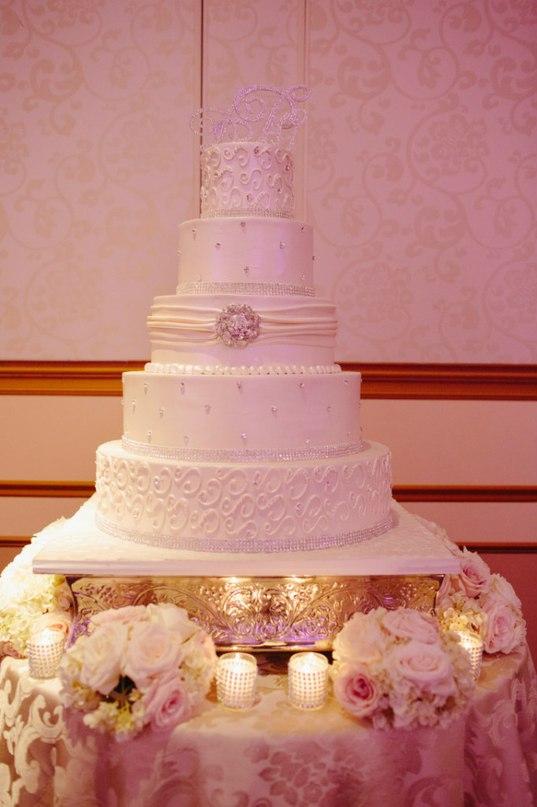 j77h9iDqHJE - Золотые и серебряные свадебные торты 2016 (70 фото)