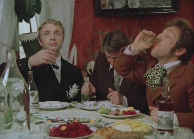 Куравлев, Крамаров и Вицин в фильме Не может быть! - Да, господа, романтизьму нету. Выпить спокойно не дают!