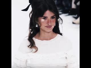 Пенелопа Крус на шоу Chanel