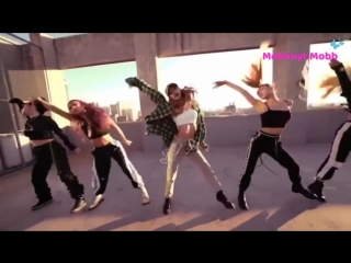 BLACKPINK LISA Dancing I Like It - Cardi B, Bad Bunny & J Balvin