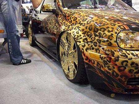 автомобиль леопардовый