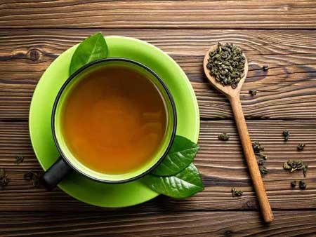 Зеленый чай может вызвать побочные эффекты из-за кофеина.