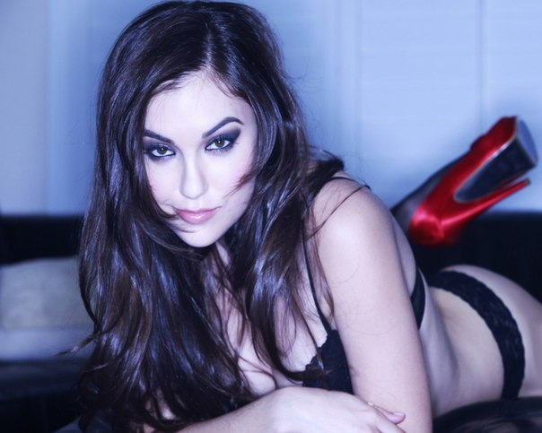 Саша Грей сексуальна після порно