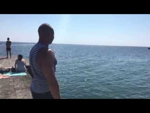 Монетка в море