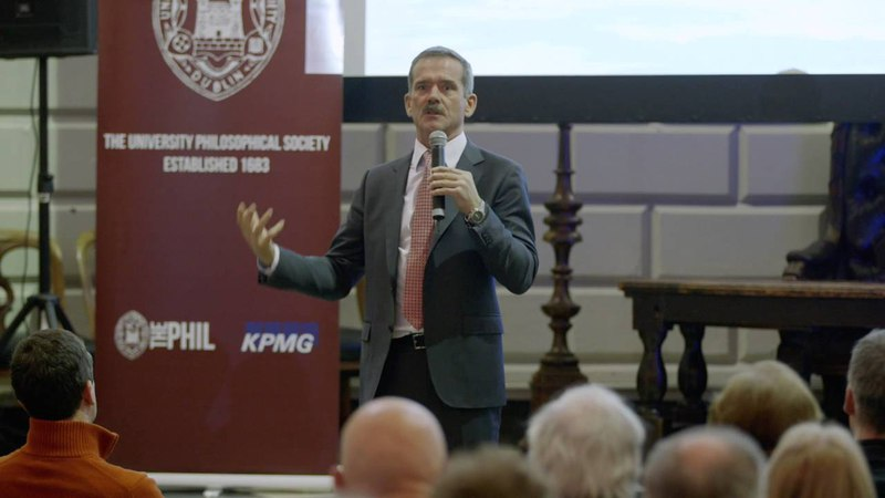 Astronaut Chris Hadfield gives his opinion on Virgin Galactic's way of launching to Space (Dec 2014)
