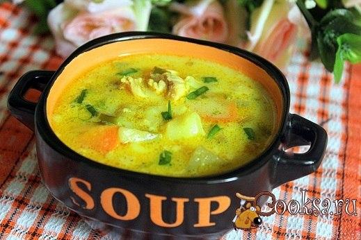 """Куриный суп карри с кабачком и рисом Самый обычный суп, если добавить в него приправу """"Карри/Манго"""", удивит совершенно новым вкусом и ароматом!"""