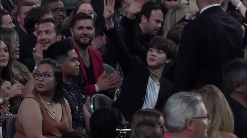 Jimin´s Reaction When Armys Are Screaming BTS BBMAs 2017