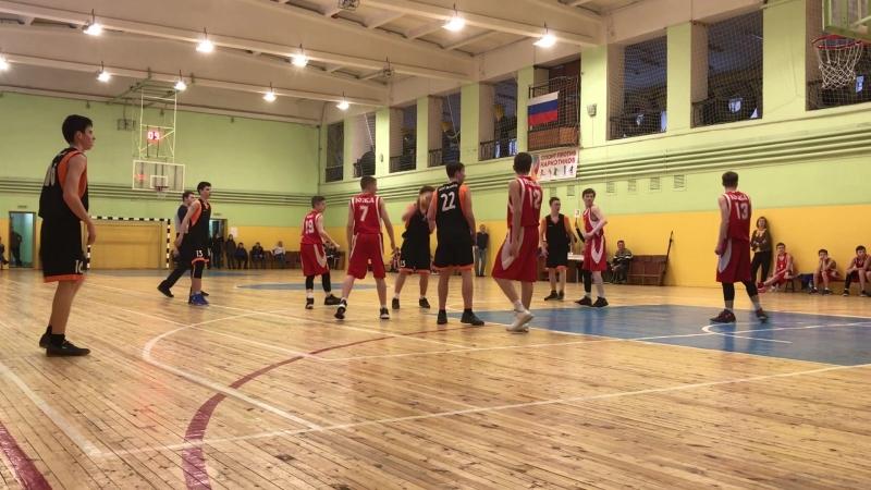 Финал Южа - Вичуга младшие юноши, 1 четверть, счёт игры 72 : 77.