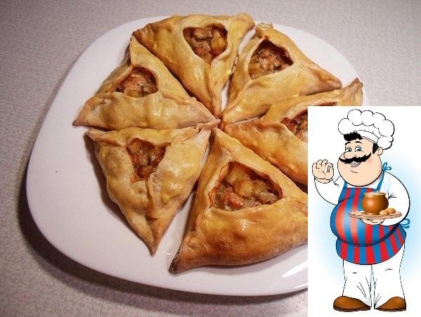 эчпочмаки: национальное татарское блюдо. тесто можно использовать пресное или дрожжевое, за основу начинки брать любое мясо на свой вкус баранину, говядину, курицу. да что там говорить про