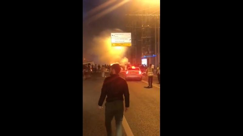 ❗Мажоры на Merсedes сгорели заживо после ДТП на Кутузовском.  По данным специальных служб, они двигались со скоростью около 200