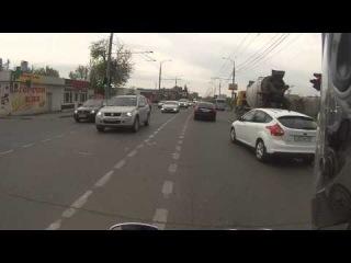 Короткометражки #1 / Блондинка. Глупый обгон мотоцикла.