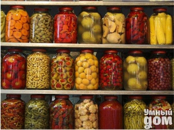 Способы консервирования продуктов Консервирование – популярный способ делать заготовки на зиму и долго хранить продукты, уберегая их от порчи. В советские времена консервирование было скорее необходимостью. В магазинах невозможно было найти нормальные продукты. Сейчас это не только способ хранения и заготовки продуктов на зиму (благо, в магазинах теперь изобилие, и в любое время года можно купить любой продукт), это еще и способ хозяйке продемонстрировать ее кулинарное мастерство, создавать…
