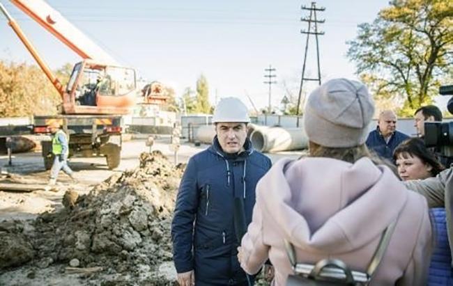 Администрация Таганрога рапортует о работах на аварийном канализационном коллекторе
