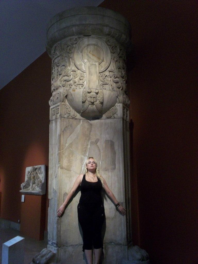 Елена Руденко. Германия. Берлин. Музей Пергамон. 2013 г. июнь. DR6GZeQ6OSc