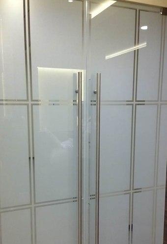 Как декорировать стекло в двери 90