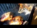 Рецепт голени индейки на дубовой доске, мангал