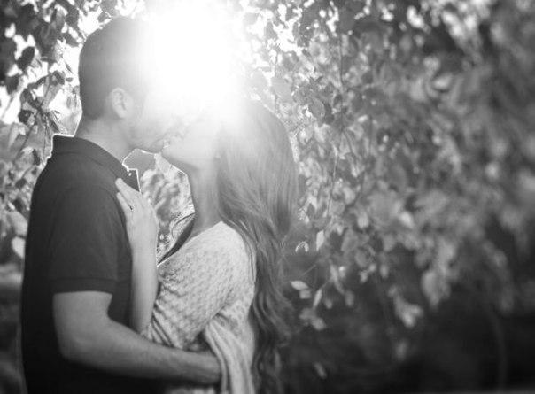 Поцілунок статуси