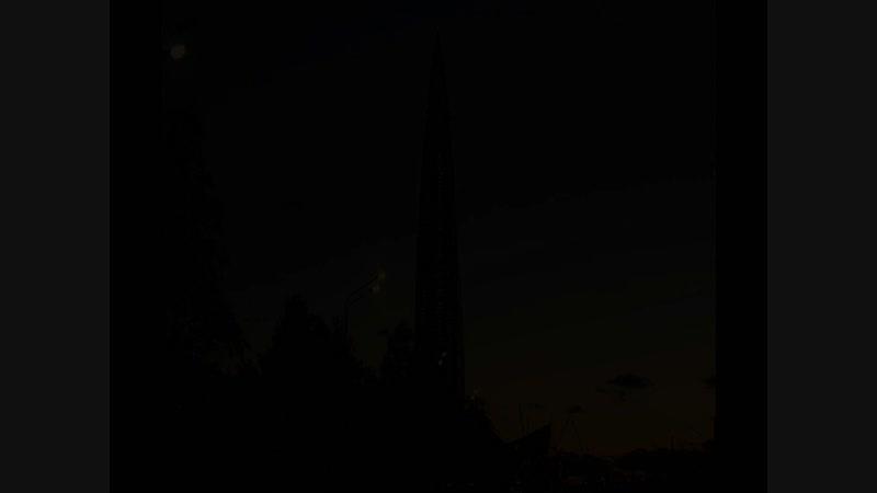 Лахта Центр на фоне вечернего заката и очень яркая на утреннем небе Венера под музыку XtremeMusik Emergence Hip Hop