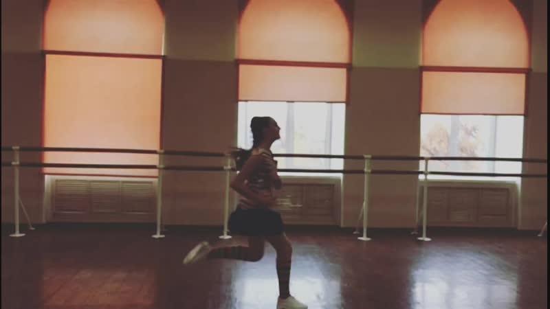 Танец — это твой пульс, биение твоего сердца, твое дыхание. Это ритм твоей жизни. Это выражение во времени и движении, в счастье