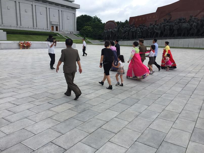 Отчет о путешествии в Северную Корею Свадебная или семейная церемония возложения цветов