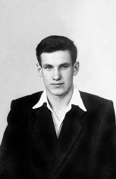 Борис Ельцин в молодости. 1956 г.