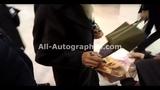 Uma Thurman signing autographs in Paris