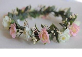Веночек на голову из искусственных цветов своими