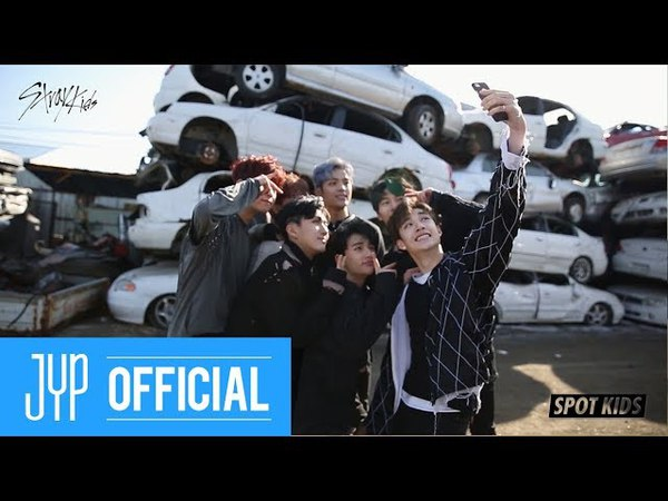 [SPOT KIDS : BLACK] Stray Kids 멤버들의 셀카 비법 전수 타임!