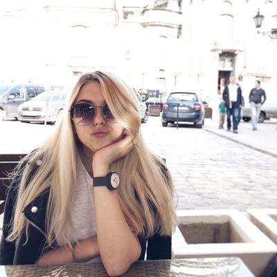 Олена Кряченко